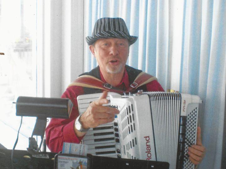 Tmx 1416453723458 Annas 90th Accordionist Simon Shapiro1 Stoughton wedding band