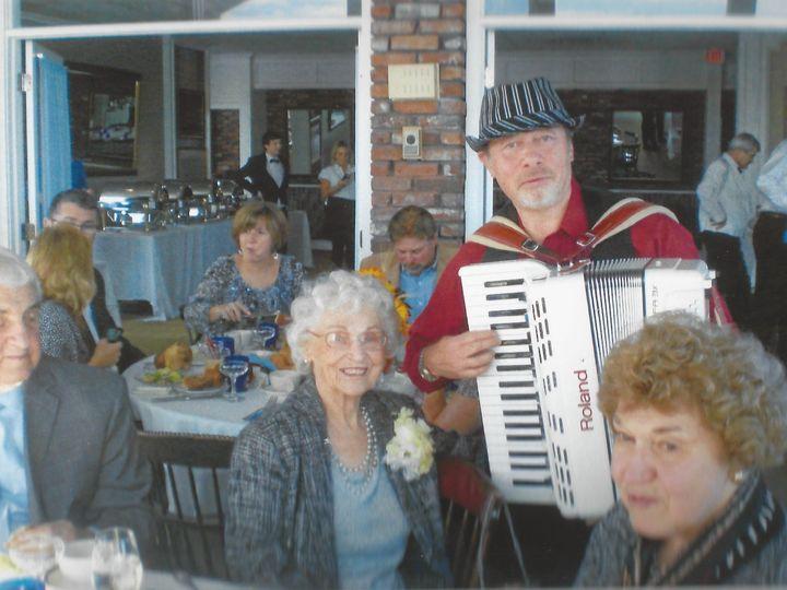 Tmx 1416453754658 Annas 90th Accordionist Simon Shapiro3 Stoughton wedding band