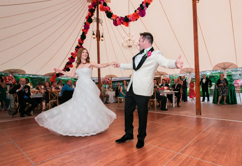 willowdale estate wedding reception guests 036 51 114154 159975978831962