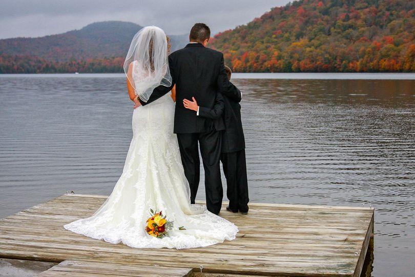 bb09295b9948097a 1534788295 e9b3c3dd53cee249 1534788244647 26 Pine Lake Wedding