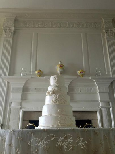 Vintage Wedding Cake Buttercream icing with only fondant accents