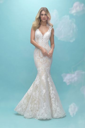 Allure Bridals	9464		Highlight the texture of our unique lace in this simple sleeveless gown,...