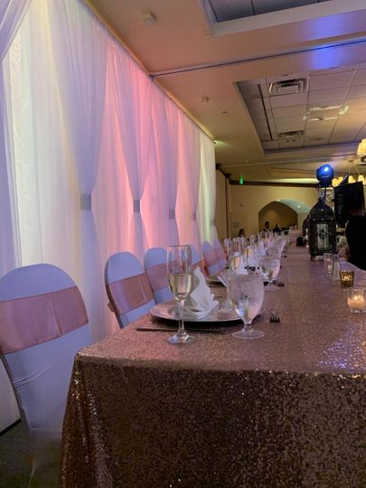 Head table for the court