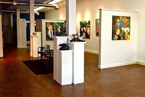 Niza Knoll Gallery