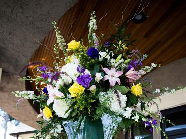 Tmx 1483140457380 Moffattoliverredballoonphotographyoliver1970low Mooresville, North Carolina wedding florist