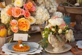 Bustle Me Table - A Party Rental Co./Candace Bridal Consultants