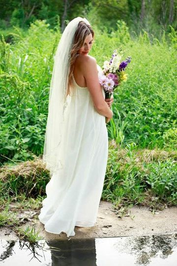 bohemian bride with Vintage waves