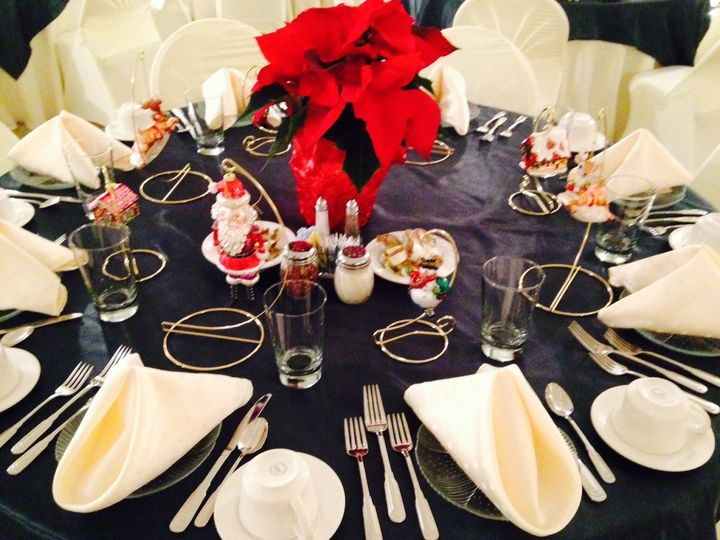 We do Christmas Right - A holiday wedding is a treat at The Center.