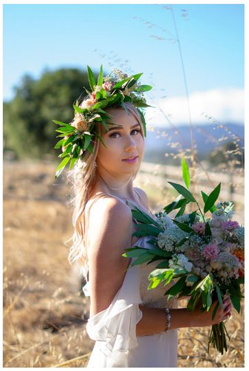Floral crown and bouquet