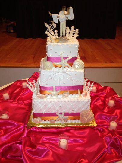 Wedding cake with pink lining