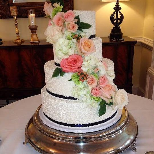 classic city confections photos wedding cake pictures georgia atlanta and surrounding areas. Black Bedroom Furniture Sets. Home Design Ideas