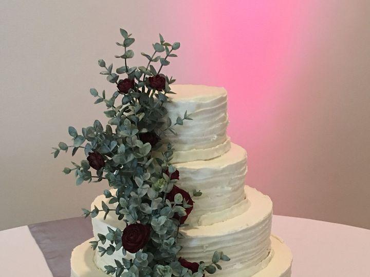Tmx 1515430640 Ec1024c63ab2dba9 1515430635 7b312f6489fd58e5 1515430442601 1 20170930 195602052 Fayetteville, NC wedding cake