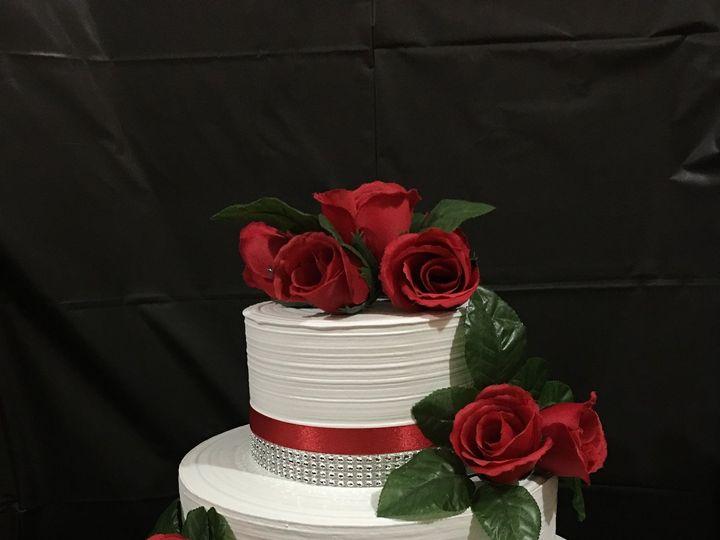 Tmx 1515430643 019bcda8e564ba7f 1515430636 Bd28e837ea2e0025 1515430442652 4 20170302 005735480 Fayetteville, NC wedding cake
