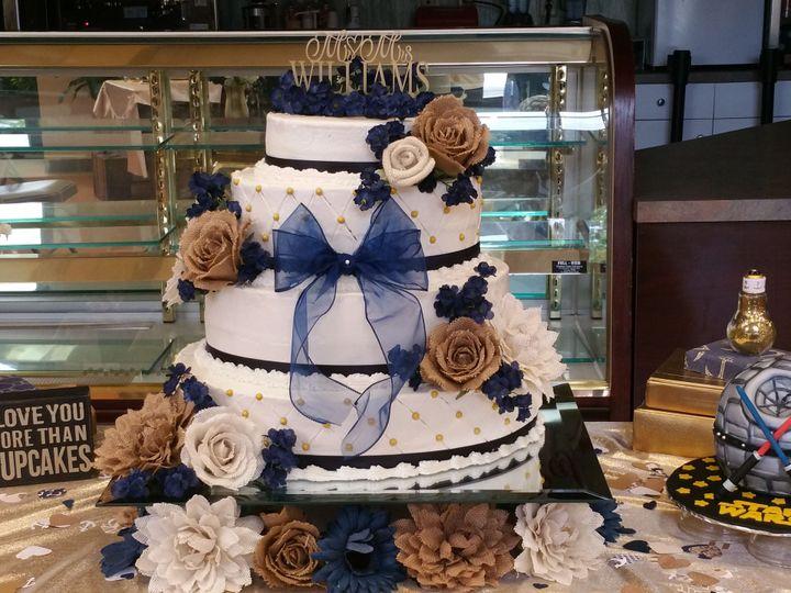Tmx 1515430810 480501ef13754daa 1515430804 42e044db2ef1b100 1515430736522 2 20150807 174818 Fayetteville, NC wedding cake