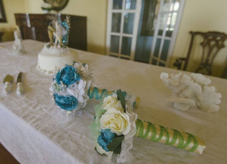 Bouquets and cake