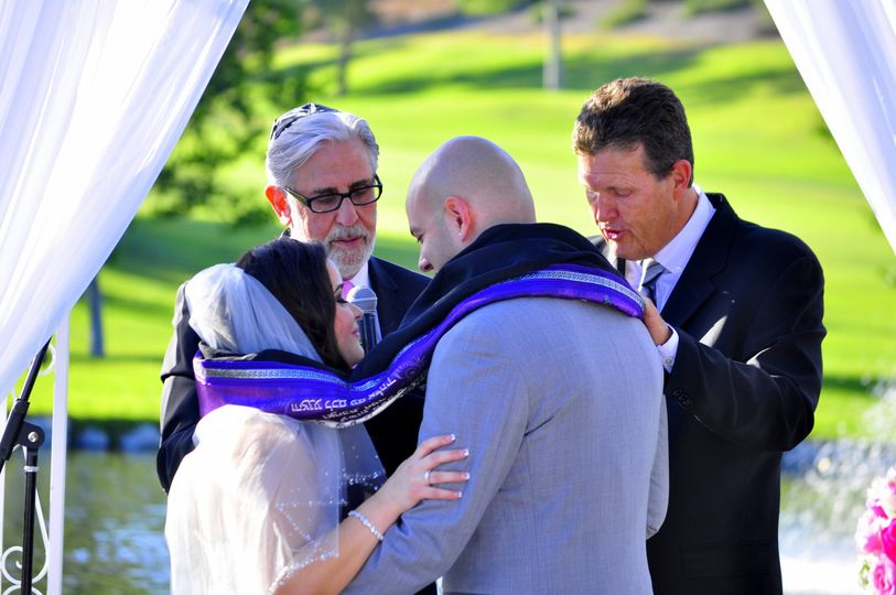 Rabbi Michael Mayersohn co-officiated a Jewish & Interfaith wedding ceremony at the Porter Ranch...