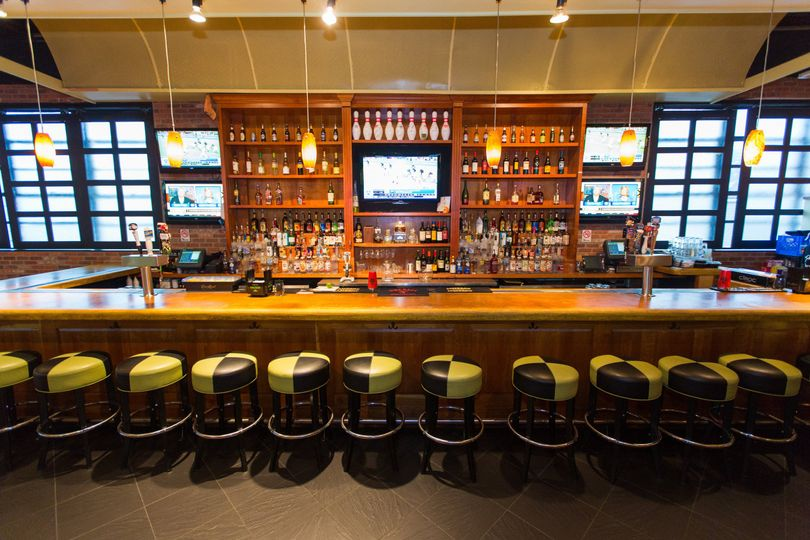bar dining 0014
