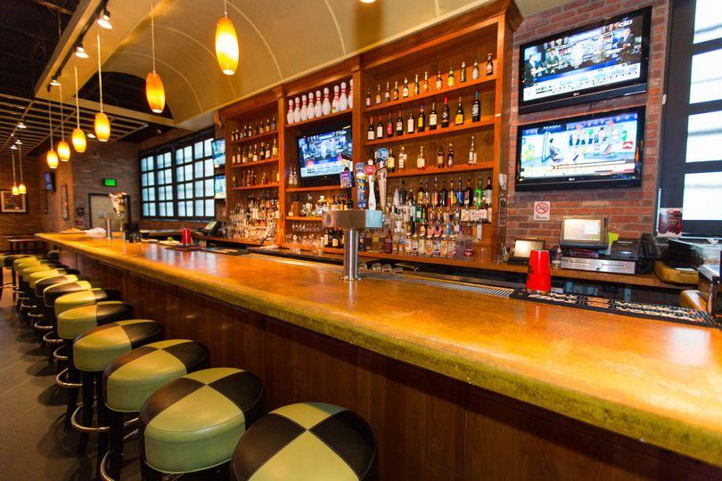bar dining 0015