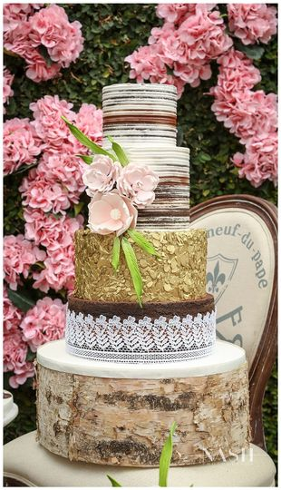 Four-layer round cake
