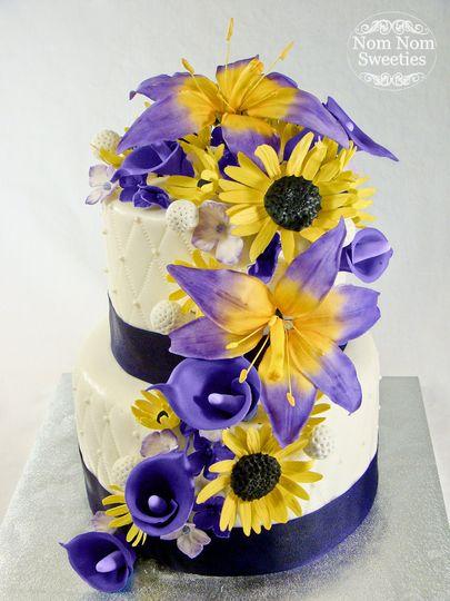 Nom Nom Sweeties - Wedding Cake - Owosso, MI - WeddingWire