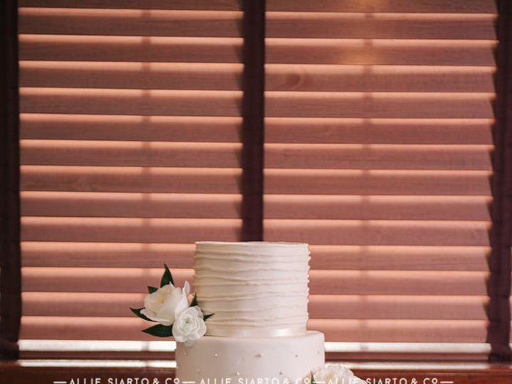 Tmx 1483378488263 Cake 2w Owosso wedding cake