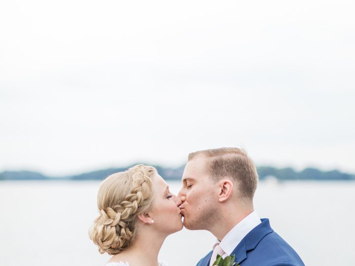 Tmx Martabrandon Kissing 51 420754 158827042441971 Laurel, MD wedding florist