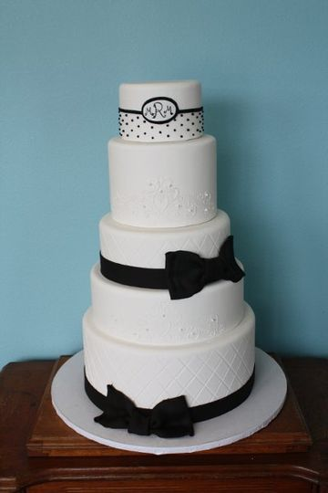 Cake with black ribbons