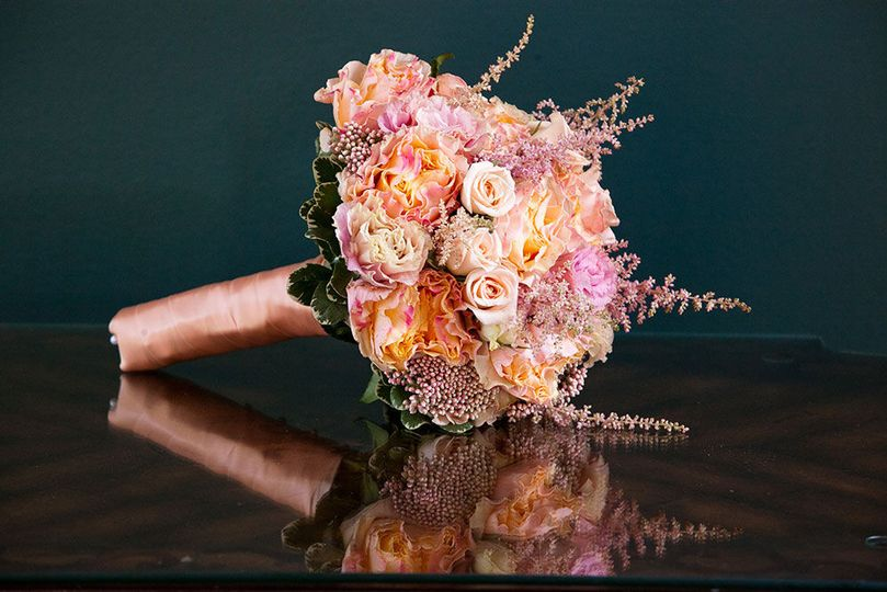 aedb6d37e0c83aa7 bouquet