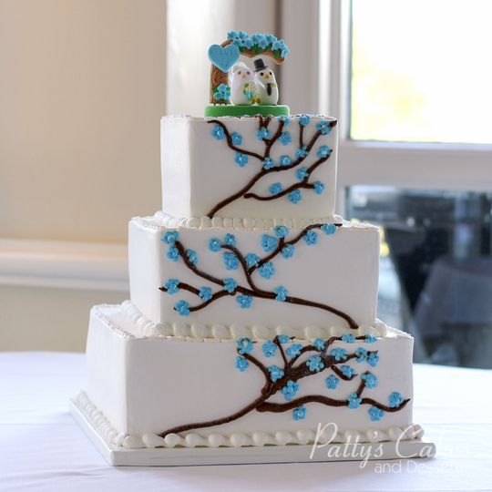 Wedding cake with blue flower piping
