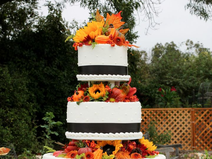Tmx 1519259744 9ea4b992baafe143 1519259742 D56ec96f8b688d4b 1519259721338 7 Fall Wedding Cake Fullerton, California wedding cake