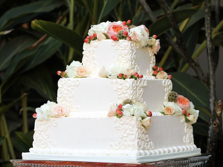Tmx 1519259744 B6abf44c3bc87f7f 1519259742 1d40aae8b8897e3c 1519259721325 4 Flowered Square We Fullerton, California wedding cake