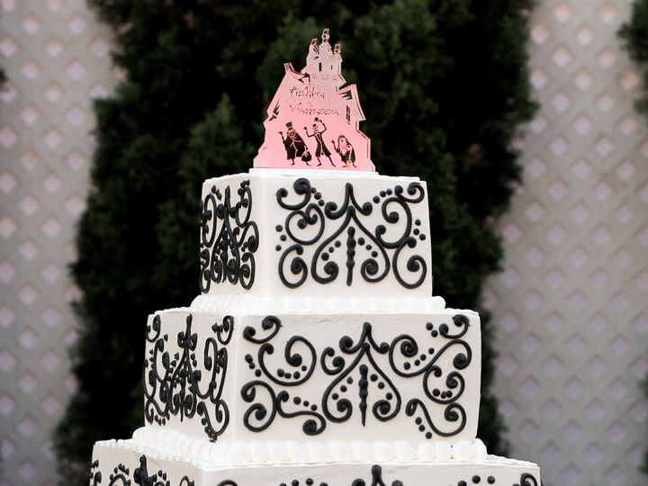 Tmx 1519259744 B721f95636cd57c3 1519259742 Fcd637f642b4aa4a 1519259721335 6 Damask Wedding Cak Fullerton, California wedding cake