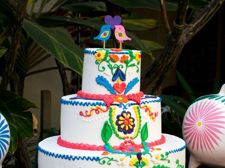 Tmx 1519259775 64e19e6a84f8ade9 1519259773 Bc7a8e019c2ffe92 1519259749092 10 Hispanic Wedding  Fullerton, California wedding cake