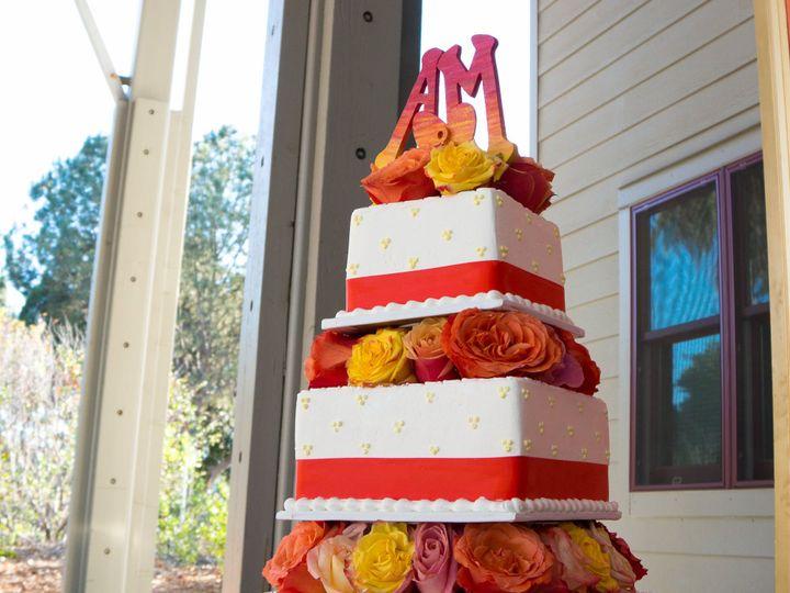 Tmx 1519259889 31d8b50567f685e5 1519259886 D0e2a933713dda5e 1519259858717 17 Outdoor Arboretum Fullerton, California wedding cake