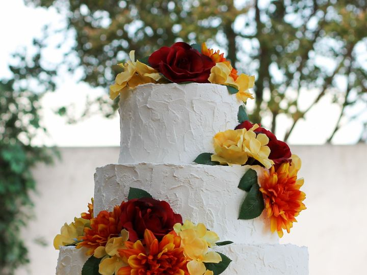 Tmx 1519260070 8ed8a7aa9dfa6a30 1519260068 9e64c4fe5f51bc88 1519260038842 5 Rustic Wedding Cak Fullerton, California wedding cake