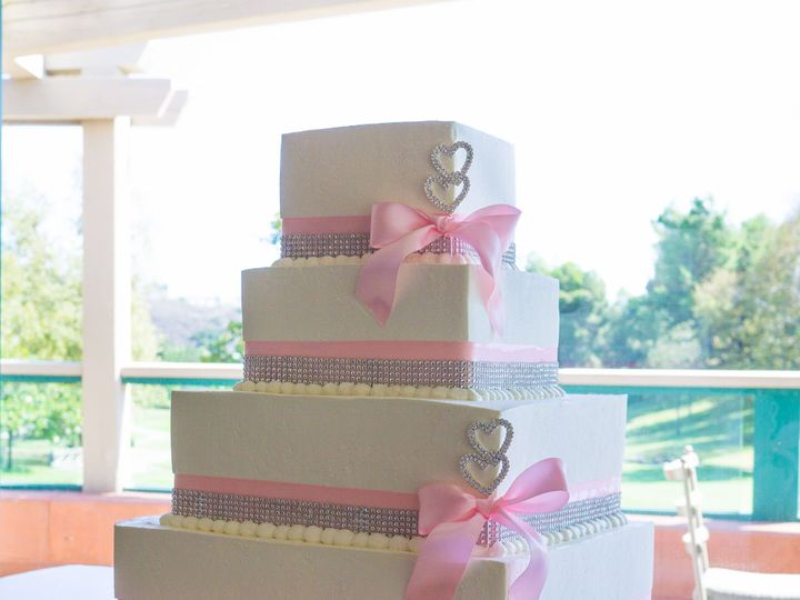 Tmx 1519260070 D69033b5ec157d45 1519260067 25edd9bab2b6ba21 1519260038839 3 Simple Pink Square Fullerton, California wedding cake