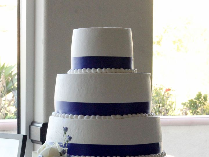 Tmx 1519260157 6d30f7ea8939e8c4 1519260154 D65c3fe3bed11c16 1519260124292 7 Simple Wedding Cak Fullerton, California wedding cake