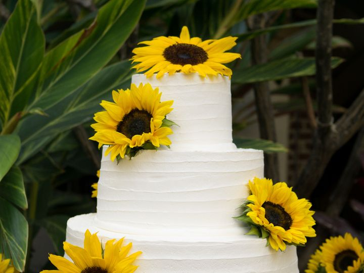 Tmx 1519260274 155f7541ed95721d 1519260272 A88ed6cc3f0b87c0 1519260250598 4 Sunflower Wedding  Fullerton, California wedding cake