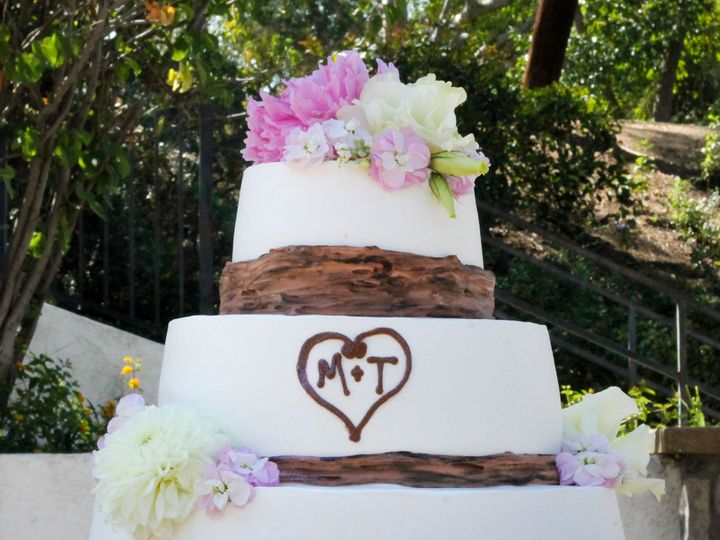 Tmx 1519260357 3e936a47c54f82ae 1519260355 A8bc27e69b5ad611 1519260333611 5 Wedding Cake 3 Tie Fullerton, California wedding cake