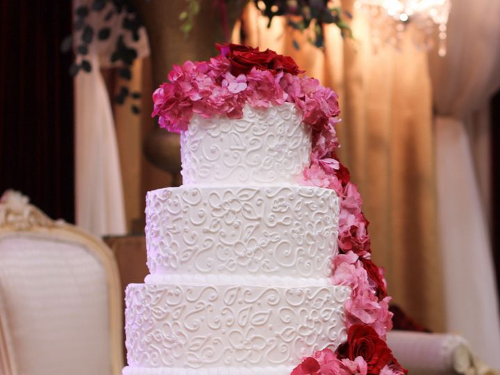 Tmx 1519260399 0e4b78b87516c63a 1519260395 1d408244a0db1cc8 1519260374640 10 Wedding Cake Casc Fullerton, California wedding cake