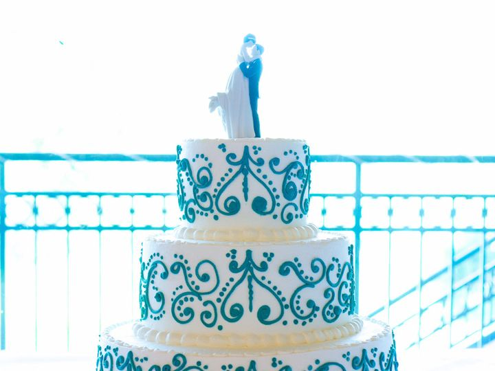 Tmx 1519260399 3076b393a2a21eb3 1519260396 92b6793015934872 1519260374641 11 Wedding Cake Dama Fullerton, California wedding cake