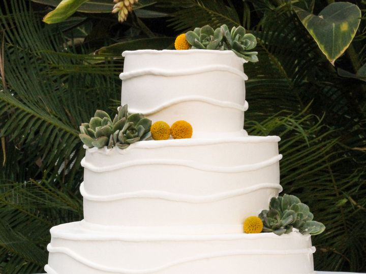 Tmx 1519260520 0e1d6ca7a6e84698 1519260518 Dbfe50203f8324ee 1519260498778 18 Wedding Cake Whit Fullerton, California wedding cake