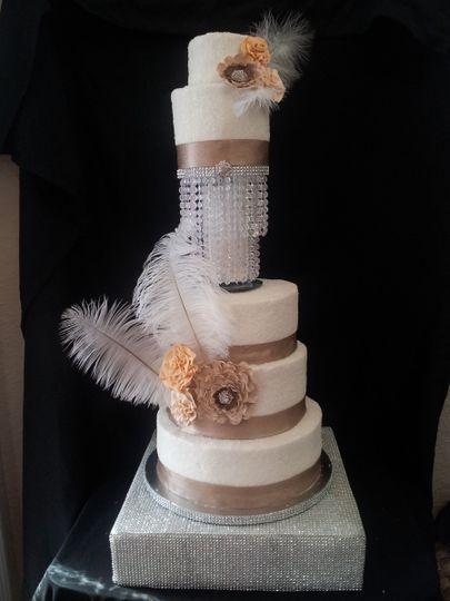enticingcakeboutiquecrystal feather cake
