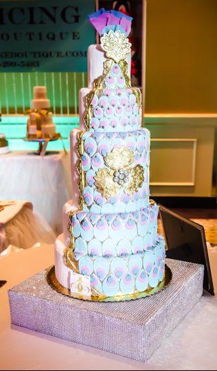 enticingcakeboutiquepeacock wedding cake