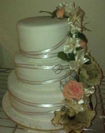 cakes by karen llc wedding cake rochester ny weddingwire