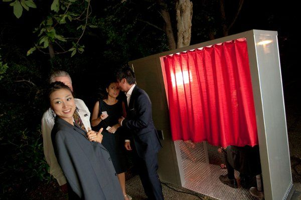 Photobooth Planet's elegantly-styled photo booths
