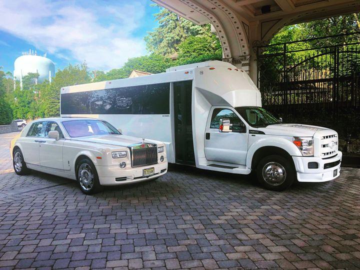 Tmx 2ee8b0d9 E01f 43f3 Ad1f B61a5d09bbea 51 79854 161740690594577 Bergenfield, New Jersey wedding transportation