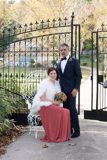 Elegant wedding in Easton PA along the Delaware River.