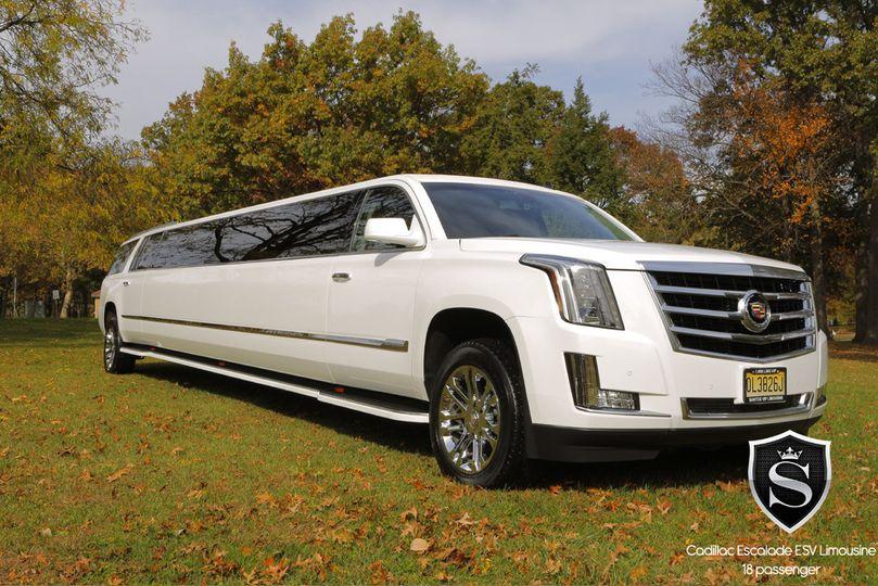 18 passenger cadillac escalade esv stretch limousine