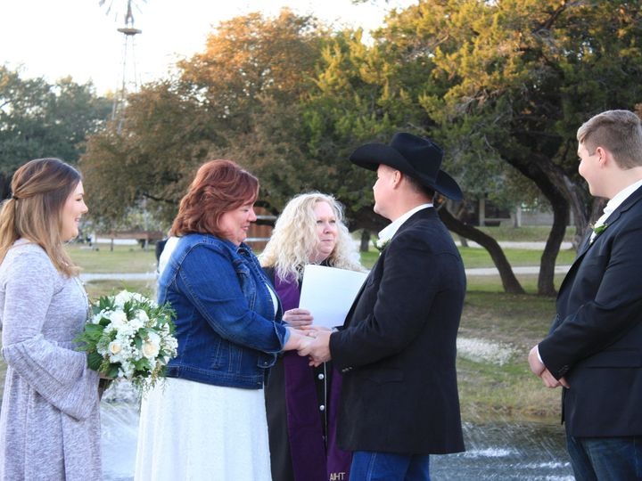 Tmx 1515302020 20cdb72489454bc9 1515302015 D5880b693be2568e 1515301977485 9 IMG 0874 Wimberley, Texas wedding officiant
